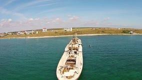Naufragio di Evangelia, costa di Mar Nero, Romania, vista aerea video d archivio