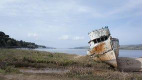 Naufragio en la bahía Foto de archivo libre de regalías