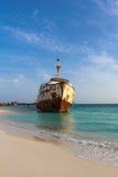 Naufragio en la playa Fotografía de archivo