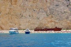 Naufragio en la playa de Navagio Foto de archivo libre de regalías