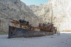 Naufragio en la playa del navagio, Grecia Fotos de archivo libres de regalías