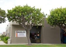 Naugles炸玉米饼和汉堡在喷泉谷,加州 库存图片