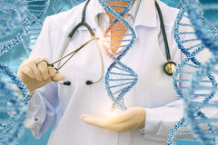 Nauka DNA molekuły lekarką Fotografia Stock
