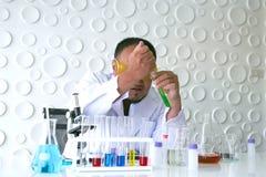 Naukowa eksperyment w laboranckiej nauce fotografia royalty free