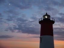 Nauset światła latarni morskiej błękitna godzina Eastham Cape Cod Zdjęcie Stock
