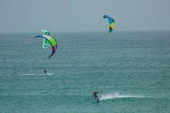 Nautic sportar: kitesurf Arkivfoton
