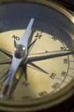 nautisk antik kompass Arkivbilder