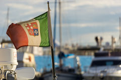 Nautisk flagga av Italien med suddig bakgrund Royaltyfri Foto