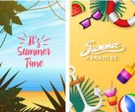 Nautiska sommarkort Marin- semester på stranden Tropiska växter och fåglar, kamera och ankare, milkshake, deckchair royaltyfri illustrationer