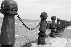 Nautiskt räcke-, havs- och räcke-, svart- & vitfotografi Royaltyfri Bild