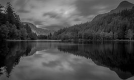 Nauwe vallei coe lochan Schotland royalty-vrije stock foto