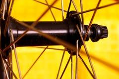 Nav av framhjulet arkivbild