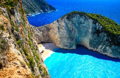 Navagio海湾和船击毁 扎金索斯州,希腊海岛在爱奥尼亚海 免版税图库摄影