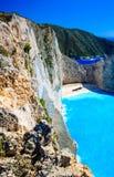 Navagio海湾和船击毁 扎金索斯州,希腊海岛在爱奥尼亚海 库存照片