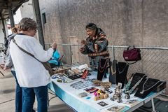Navajo biżuterii stojak W Albuquerque Zdjęcia Stock