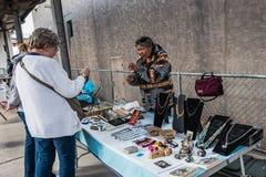 Navajosmyckenställning i Albuquerque Arkivfoton