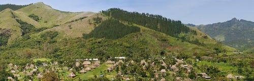 Navala村庄,维提岛,斐济传统房子  库存图片