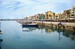 Navarinou路风景在卡拉迈伯罗奔尼撒希腊 库存图片