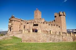 NAVARRA, ESPANHA - 2 DE ABRIL: Turista que visita Javier Castle famoso o 2 de abril de 2016, em Navarra, Espanha Foto de Stock Royalty Free