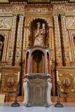Navata ed altare principali nella chiesa della cattedrale di St Mary di Betancuria a Fuerteventura, Immagine Stock Libera da Diritti