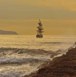 Nave alta in corso Fotografie Stock Libere da Diritti