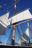 Nave alta en el puerto Imagenes de archivo
