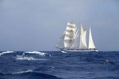 Nave alta nel mare Fotografia Stock Libera da Diritti