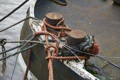 Nave amarrada en el muelle Foto de archivo libre de regalías