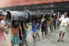 Nave che irrompe il Bangladesh Immagine Stock