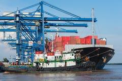 Nave con los contenedores para mercancías Foto de archivo