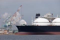 Nave da carico caricata con trasporto immagine stock