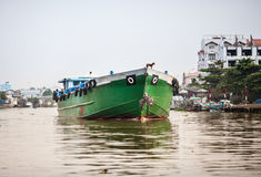 Nave da carico delta sul fiume, il Mekong, Vietnam Immagini Stock Libere da Diritti