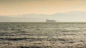 Nave da carico, nave porta-container a Smirne, Turchia, mar Egeo, lasso di tempo archivi video