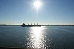 Nave da carico sul fiume del St-Lawrence Immagine Stock Libera da Diritti