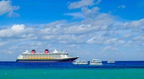Nave da crociera di fantasia di Disney fotografia stock libera da diritti