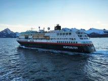 Nave da crociera in Lofoten, Norvegia Immagini Stock