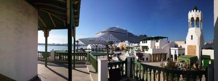 Nave da crociera MSC Splendida in porto di Tunisi ( La Goulette) , La Tunisia Fotografia Stock