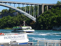 Nave da crociera per il cascate del Niagara Fotografie Stock