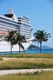 Nave da crociera in porto della città della strada, Tortola, Isole Vergini Britanniche Fotografie Stock Libere da Diritti