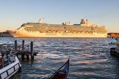 Nave da crociera a Venezia, Italia immagini stock libere da diritti