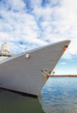 Nave da guerra attraccata Fotografie Stock Libere da Diritti