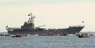 Nave da guerra e barche Fotografia Stock