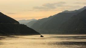 Nave de la puesta del sol Imagenes de archivo