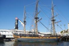 Nave de la vela en el puerto Foto de archivo libre de regalías