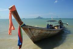 Nave de Longtail en la playa del nang del Ao Fotos de archivo libres de regalías