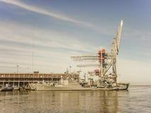 Nave de Militar en el puerto de Montevideo Fotos de archivo libres de regalías
