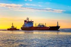 Nave de petrolero del LPG en el mar Fotos de archivo libres de regalías