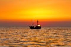 Nave del sol levante Fotografia Stock