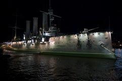 Nave dell'aurora nella notte fotografia stock