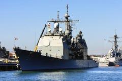 Nave di battaglia del blu marino degli Stati Uniti Fotografie Stock